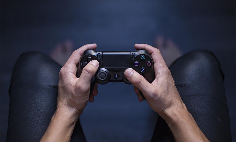 Come aggiustare la levetta analogica del controller PS4